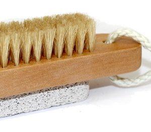Escova e Pedra Pomes